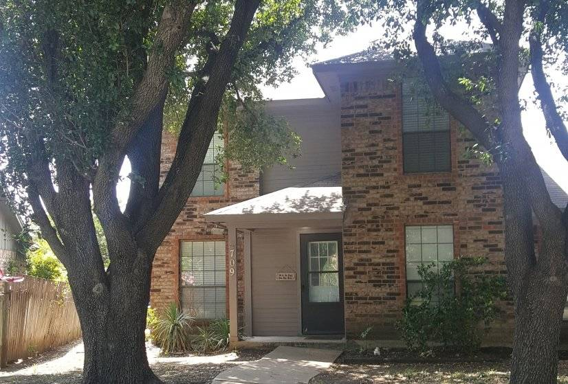 Furnished 2/2/1 by DFW in Grapevine