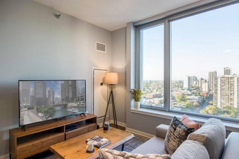 Fully Furnished, Gold Coast 1BR w/ Pool