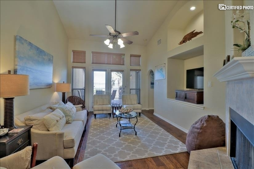 $3250 3 Canyon Lake Southwest Austin, Austin