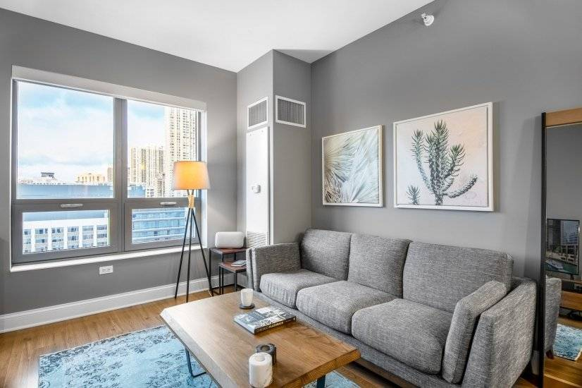 Fully Furnished 1BR in River North