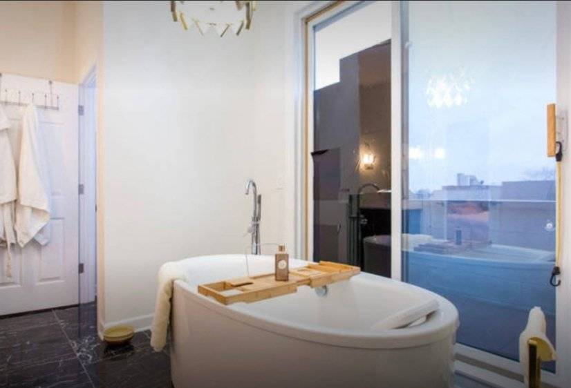 image 9 furnished 3 bedroom Townhouse for rent in West Town, West Side