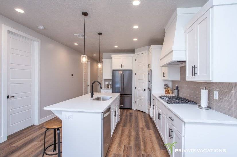 image 6 furnished 5 bedroom Townhouse for rent in Washingston, Washington (St. George)