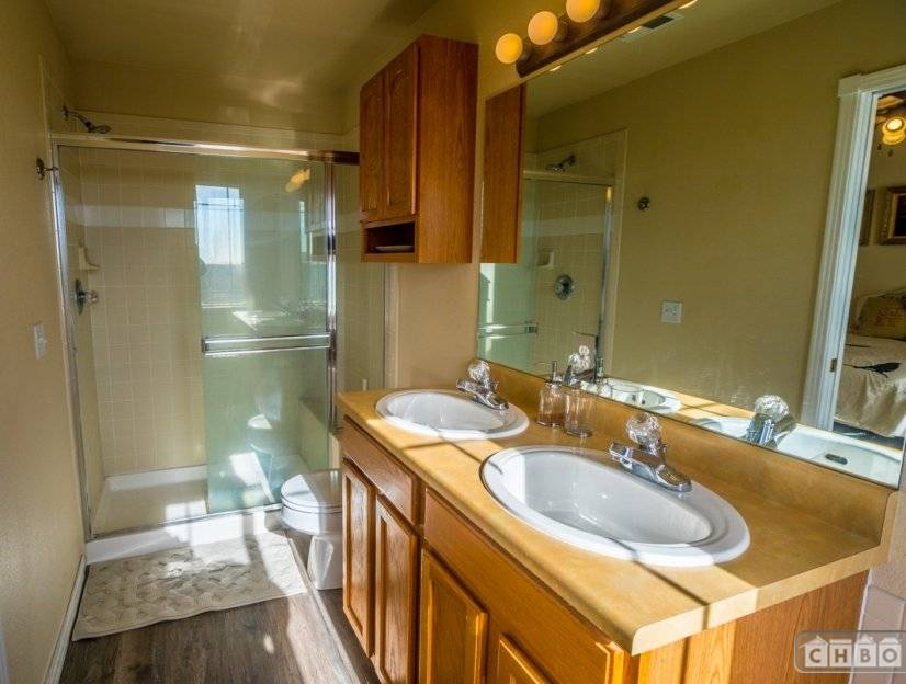 image 9 furnished 2 bedroom Townhouse for rent in Divine Redeemer, Colorado Springs
