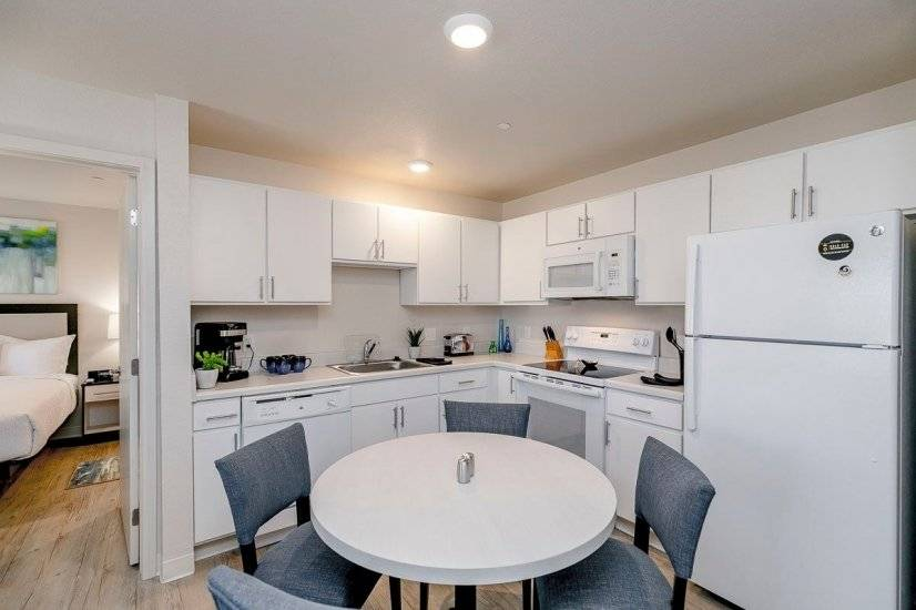 image 3 furnished 1 bedroom Apartment for rent in Centennial, Arapahoe County