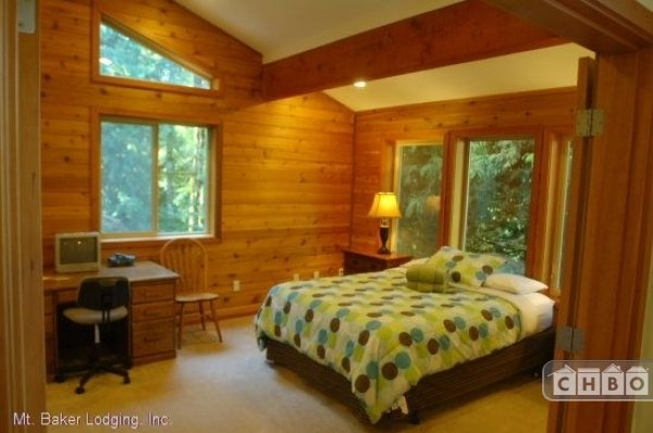 image 14 furnished 3 bedroom House for rent in Mt. Baker, Cascade Mountains