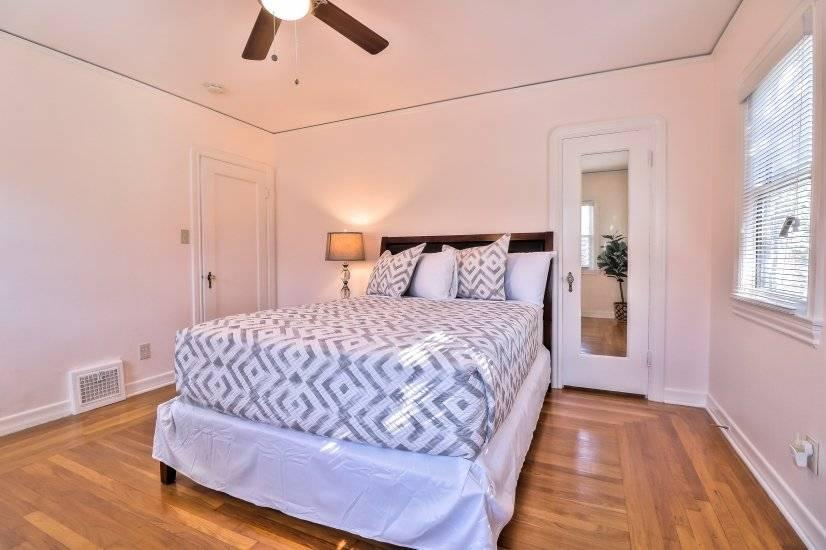 Master bedroom - photo 2