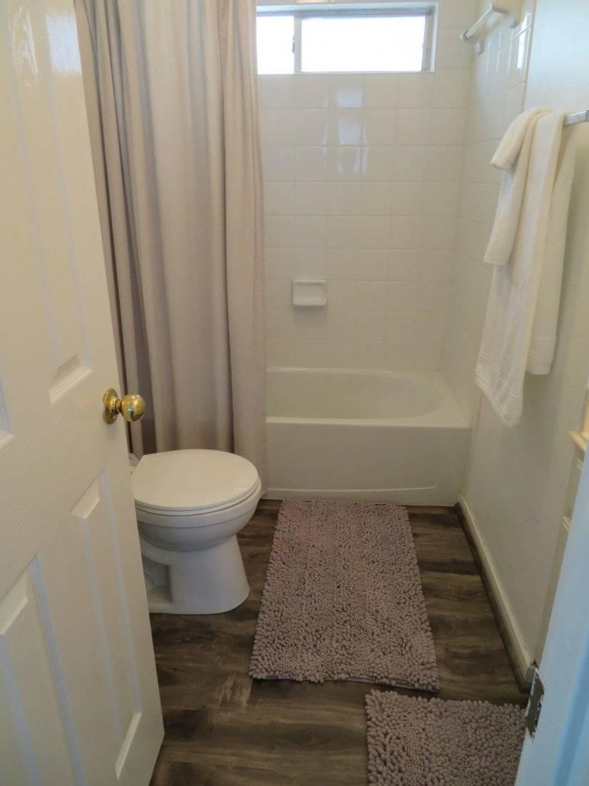 Loft Hallway Bathroom.2