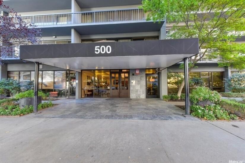 500 N Street Entrance