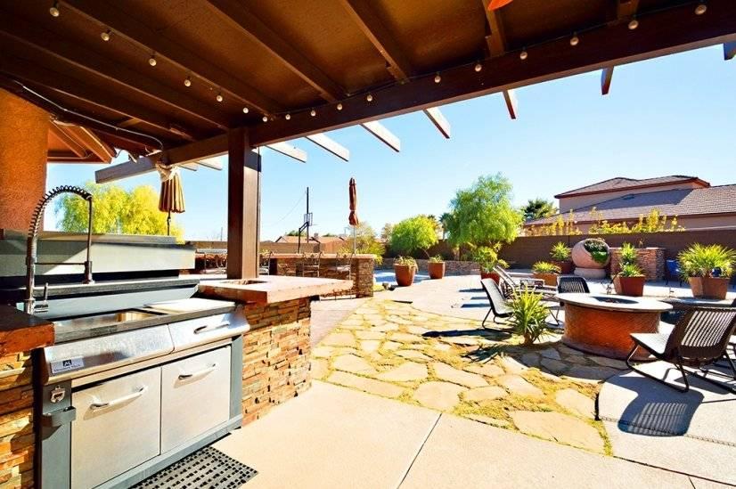 Outdoor Kitchen including fridge, Sink, 6 burner grill