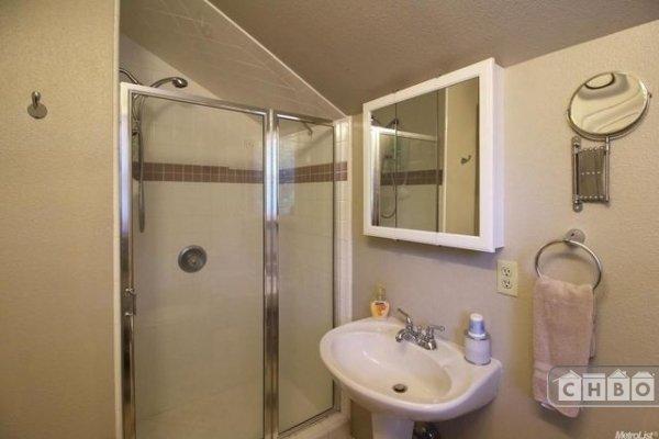 Bathroom Crow's Nest