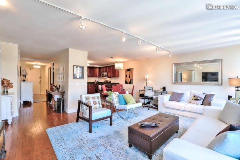 image 9 furnished 1 bedroom Townhouse for rent in Loop, Downtown