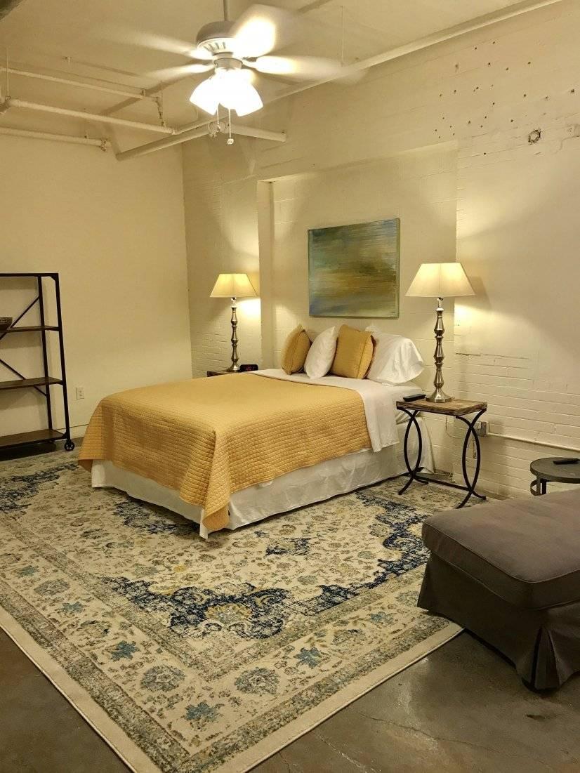 Bedroom/King Bed