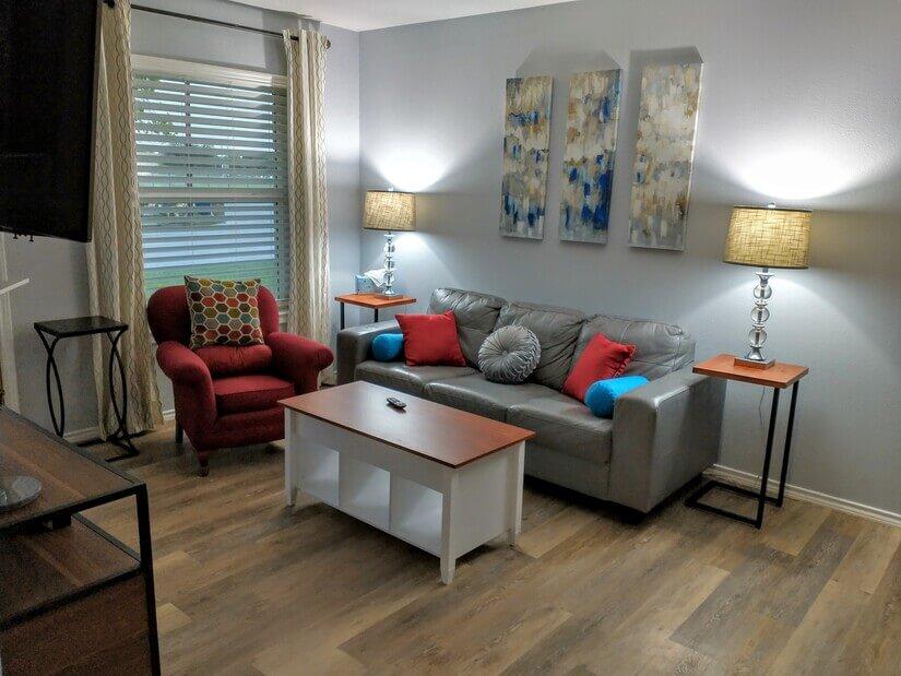 Living room, ROKU TV