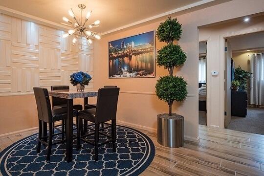 image 2 furnished 2 bedroom Apartment for rent in Hyde Park, Cincinnati