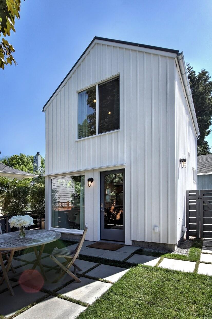 A true backyard cottage