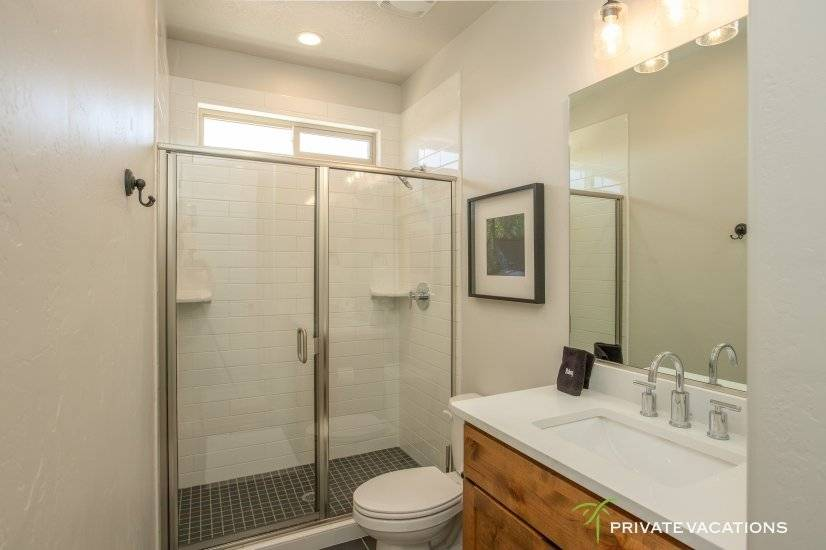 image 13 furnished 5 bedroom Townhouse for rent in Washingston, Washington (St. George)