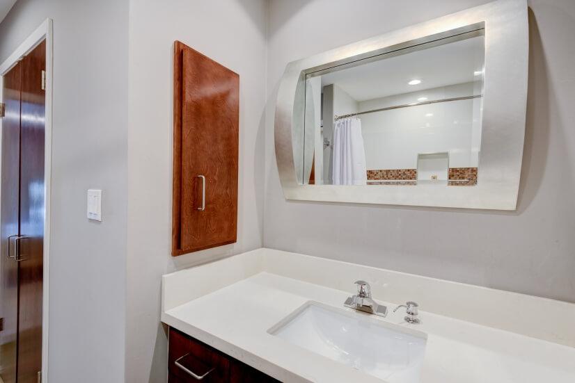 Quartz Counter Top with Custom Cabinet