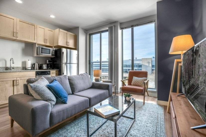 Fully Furnished, Bright Southie Studio