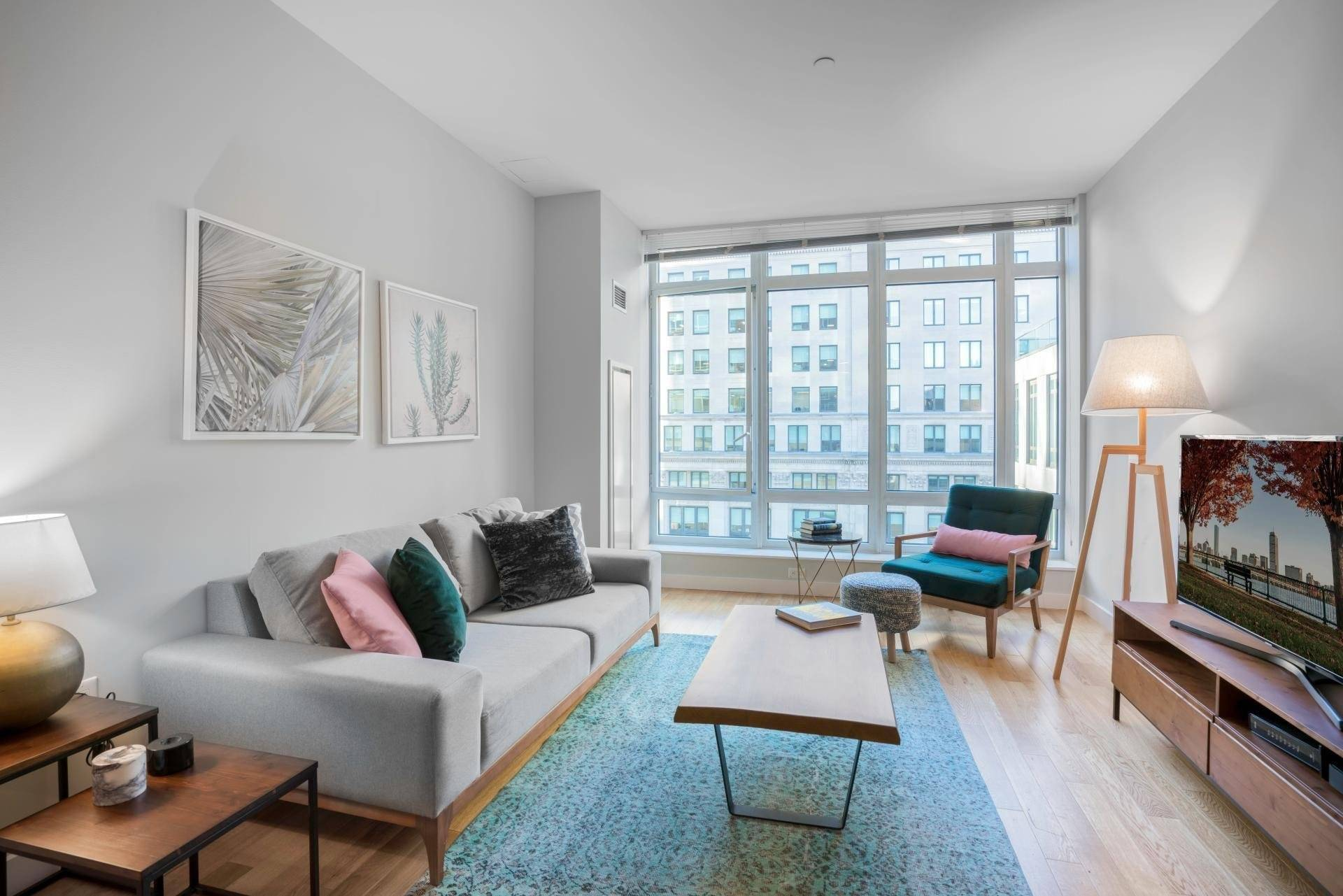 Furnished, Sleek 1BR, Back Bay, w/ Gym