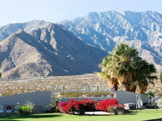 $2000 2 Palm Springs, Southeast California