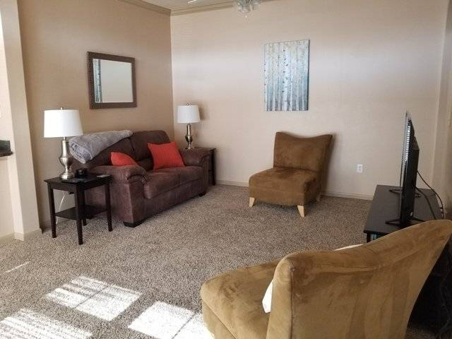 2 bedroom Broadmoor Hills