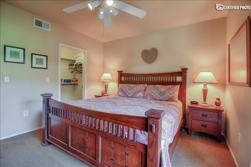 Nice & Roomy Bedroom w/King Size Bed