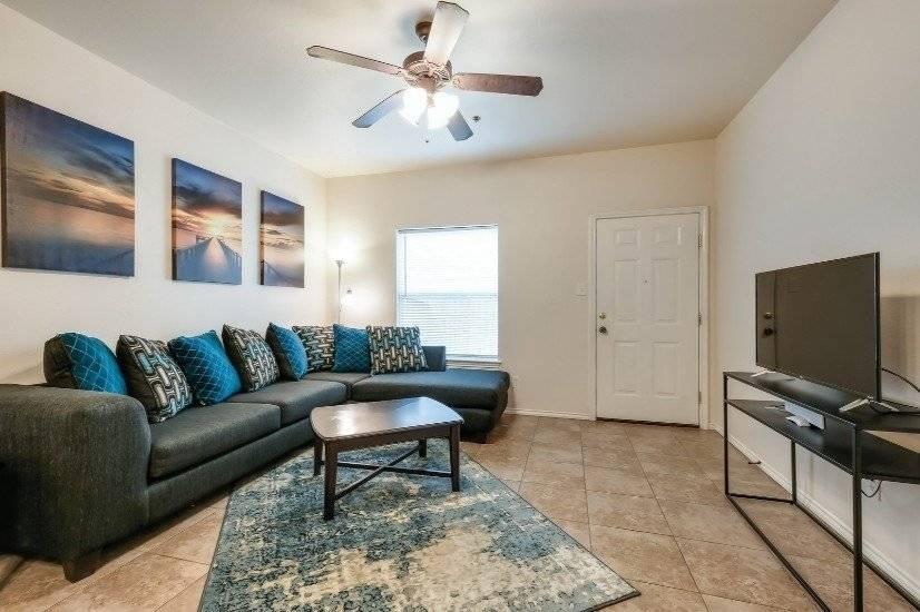 $2400 2 Balcones Heights West San Antonio, San Antonio