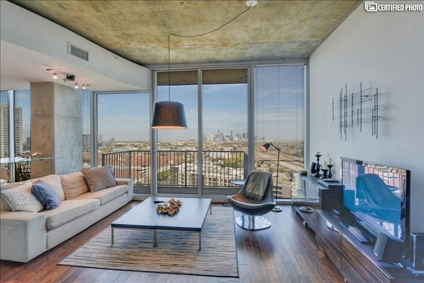 Furnished High-Rise Condo in Houston