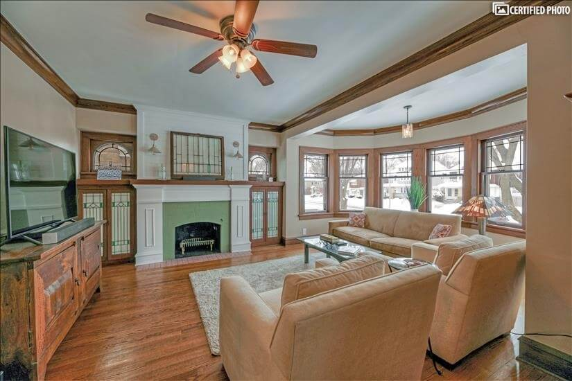 $3270 3 Near South Side Milwaukee, Milwaukee Region