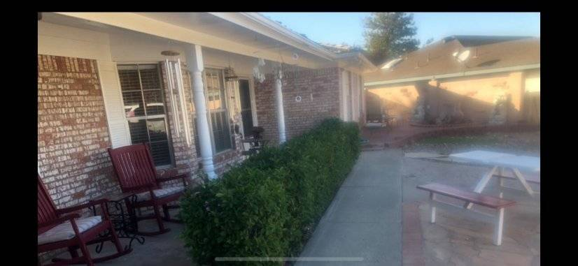 image 1 furnished 3 bedroom House for rent in Albuquerque, Albuquerque - Santa Fe