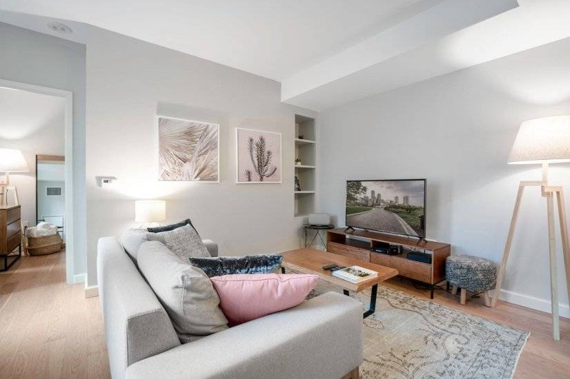 Furnished, Beauty in Back Bay, 1BR, Gym