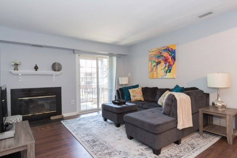 Beautiful 2 Bedroom furnsihed Condo