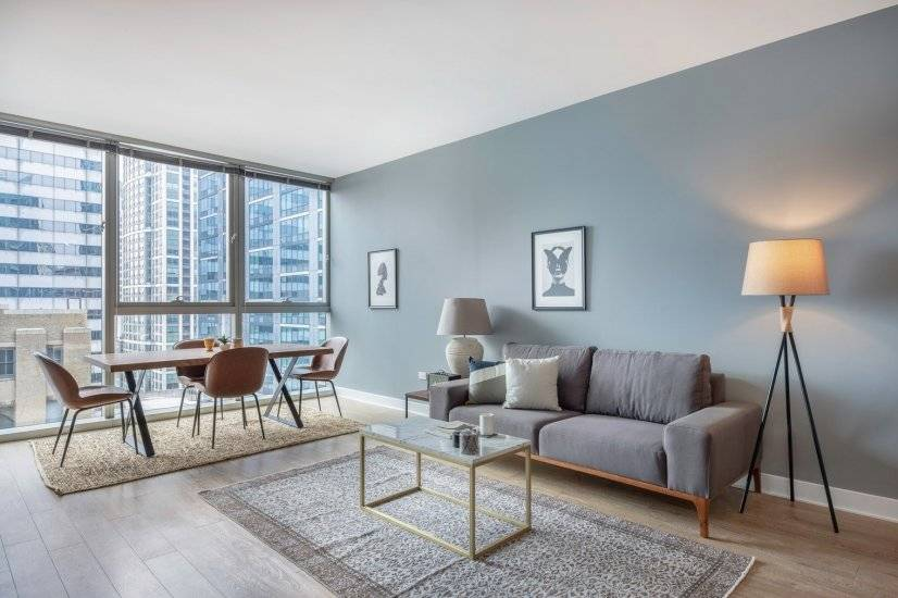 Furnished, Smart 1BR in the Loop w/ Pool