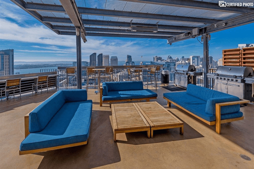 Luxurious Condo in  Downtown San Diego