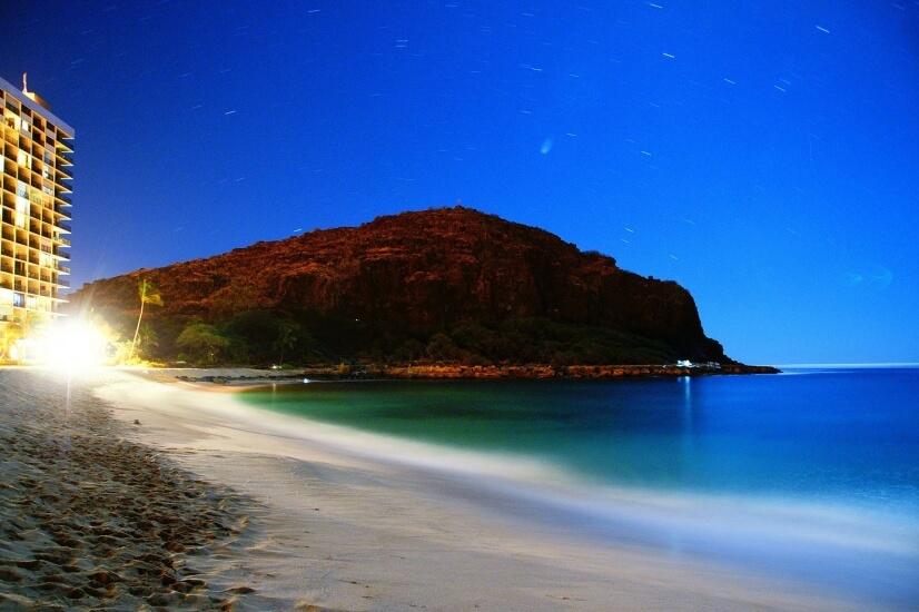 Fabulous Ocean-Front Makaha Condo