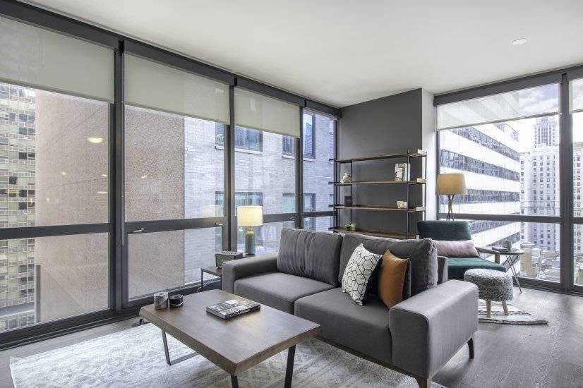 Sleek 1BR in The Loop w/ Gym, Pool