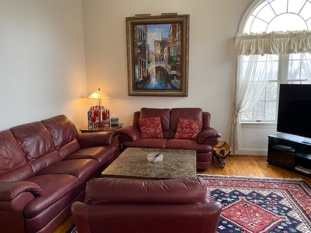Family Room pic 2