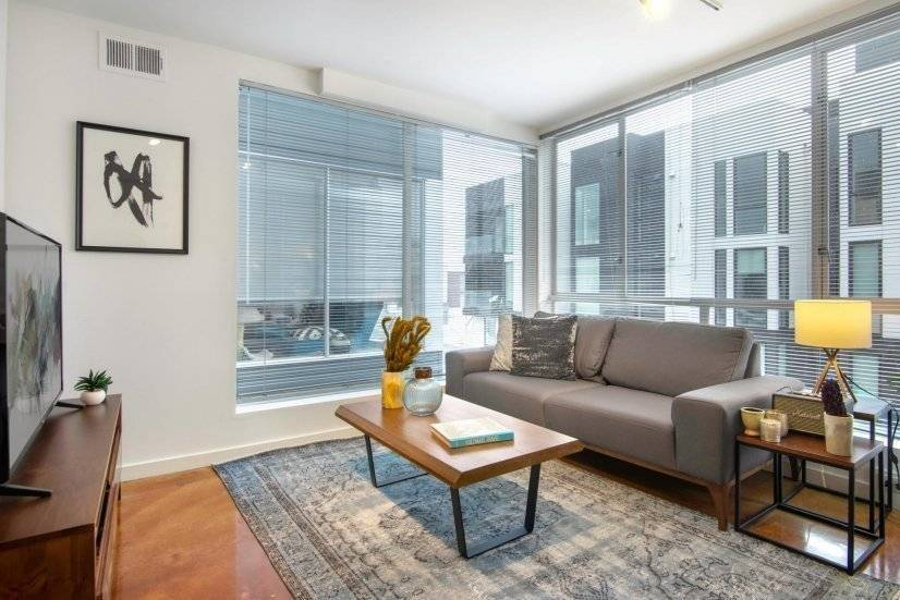 Furnished, Sunny 1BR in SoMa w/ Gym