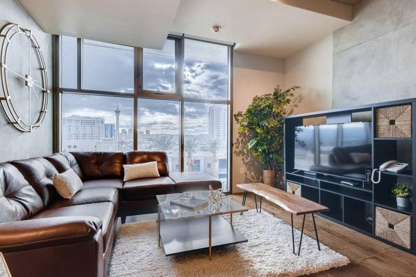 Statosphere & LV Strip View- Furnished corporate rental