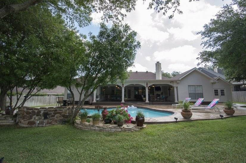 Fully furnished corporate rental home in San Antonio TX