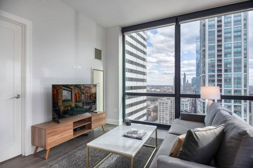 Furnished, Loop 2BR w/ Roofdeck, Pool