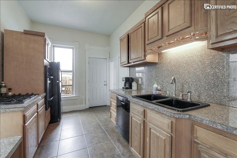 image 9 furnished 4 bedroom House for rent in Washington Park, Denver South