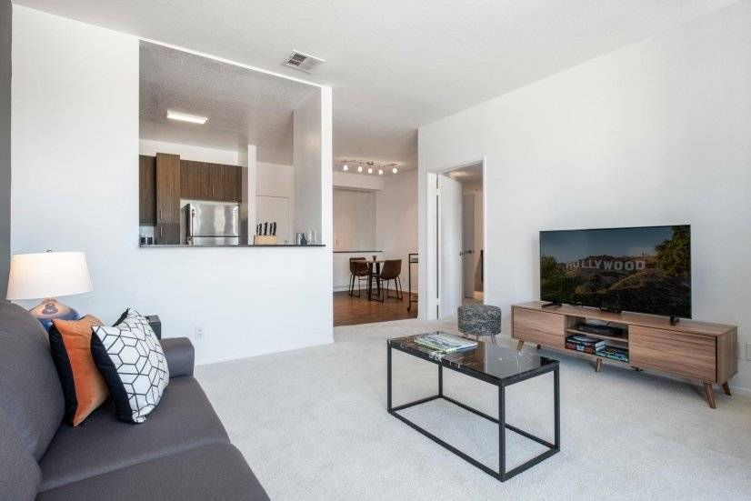 LACMA/Grove 1BR convenient to all of LA