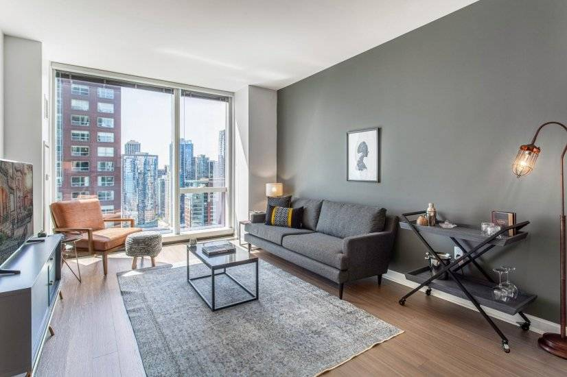 Ample Streeterville 1BR w/Gym, Pool, W/D