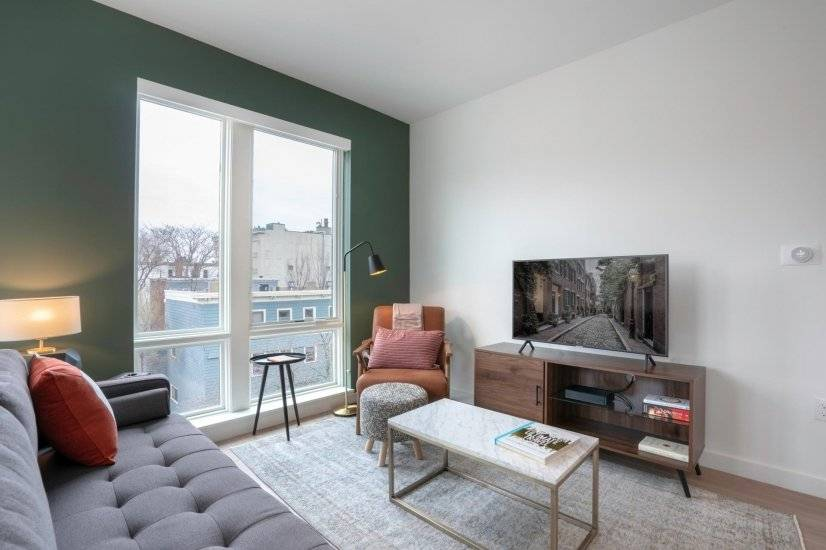 Furnished, Trendy Central Square 2BR