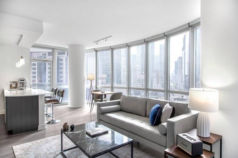 Furnished Streeterville 2BR w/ Gym