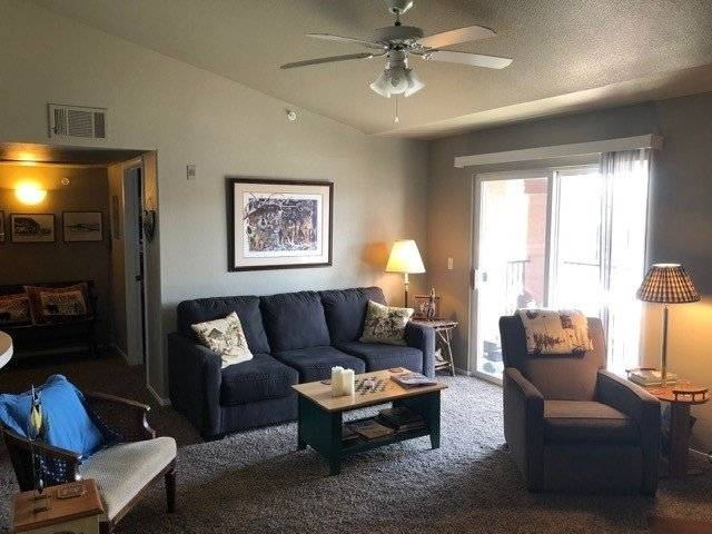 Beauty-Quiet Condo Minutes from DT Reno