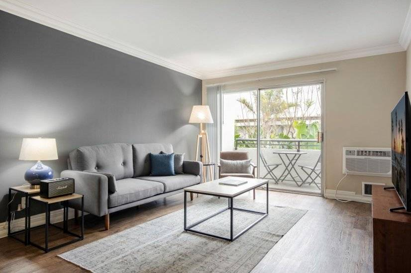 West LA 1BR, full amenity building