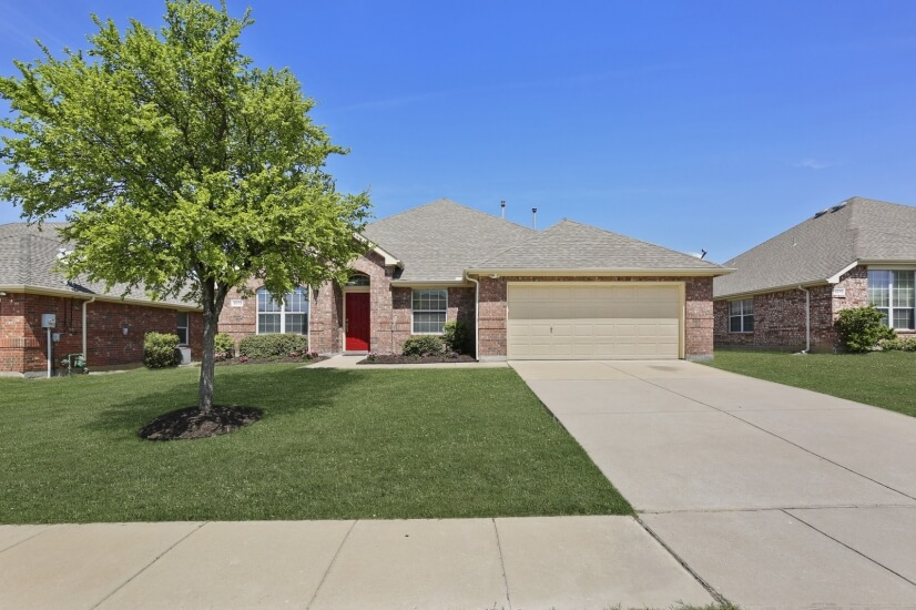 image 1 furnished 4 bedroom House for rent in Oak Point, Denton County