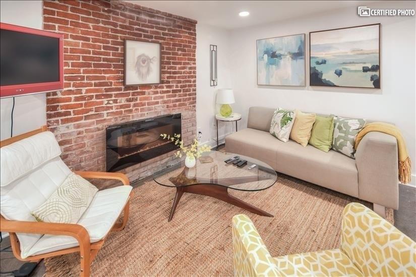 image 3 furnished Studio bedroom House for rent in Portland Northeast, Portland Area